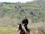 Катание на лошадях. Горы Чимгана, Узбекистан