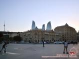 Фасад здания Азнефти на одноименной площади