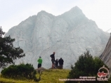 Под пиком Желтая стена. Баткенский район, Кыргызстан