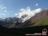 La rivière Tashkungey say. Pic Yukhin (5130 m)