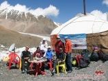 Лагерь 1 (4400 м) компании «Central Asia Travel». Пик Ленина, Памир, Кыргызстан