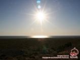Aube de soleil dans la mer d'Aral. Ouzbékistan