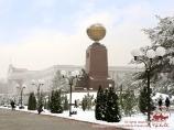 Площадь Независимости в Ташкенте зимой