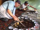 Узбекская самса в тандыре. Кухня Узбекистана