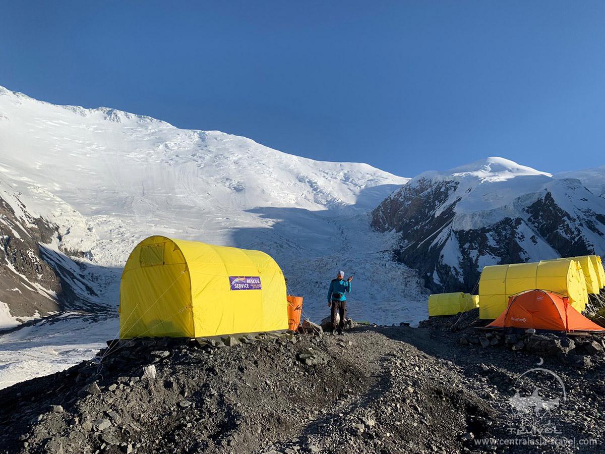 Lager 1 (4400 m). Lenin Peak, Pamir-Gebirge
