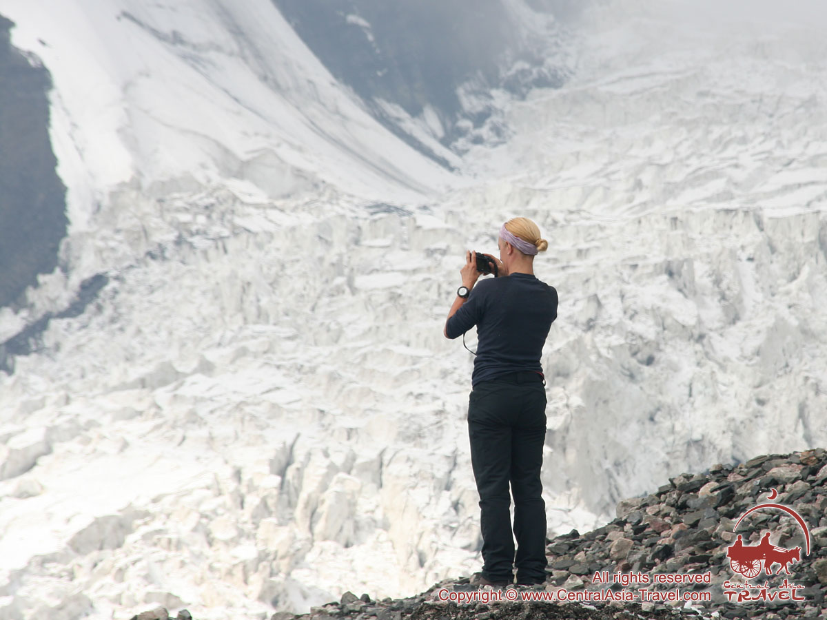 Camp 1 (4400 m). Pic Lénine, Pamir, Kirghizstan